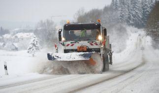 Schneechaos auf Deutschlands Straßen. (Foto)