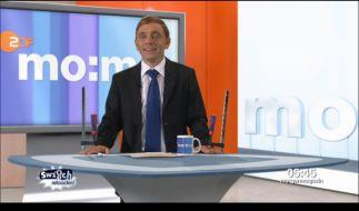"""Bernhard Hoecker kündigt bei """"Switch Reloaded"""" Ben Wettervogel an. (Foto)"""