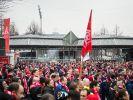 Tausende Metaller imAusstand - Arbeitgeber signalisieren Bewegung (Foto)