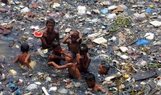 Millionen Tonnen Plastik gelangen jährlich vom Land ins Meer (Foto)