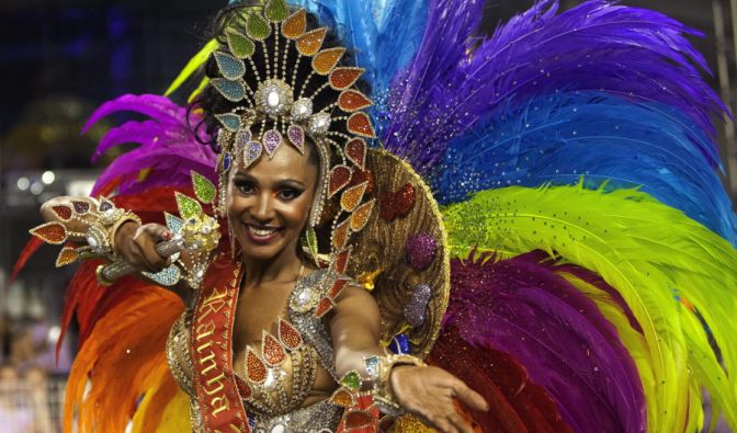 Bunt und sexy - das ist der Karneval in Brasilien. (Foto)