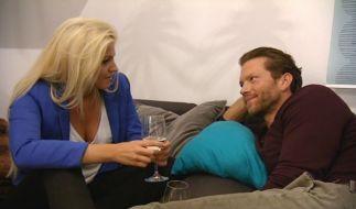 Müssen sich an strenge Regeln halten: Sarah und Bachelor Oliver. (Foto)