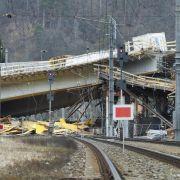Brückeneinsturz in Österreich: Zug entgeht knapp Katastrophe (Foto)