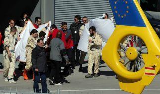 Fernando Alonso musste nach seinem Crash ins Krankenhaus geflogen werden. (Foto)
