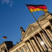 Deutsche denken: Wir sind auf dem Weg in die Diktatur! (Foto)