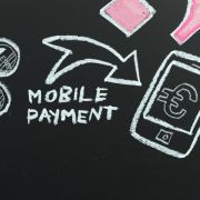 Digitale Revolution im Handel: Sprechende Schaufenster und Fußscanner (Foto)
