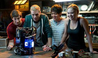 Ob die vier Freunde wissen, welche Technologie sie hier entwickelt haben? (Foto)