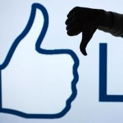 Verbraucherschützer mahnen Facebook ab (Foto)
