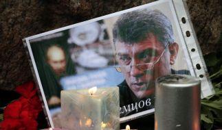 Boris Nemzow, einer der bekanntesten Kritiker von Russlands Präsident Putin, ist hinterrücks ermordet worden. (Foto)