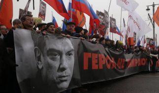 Trauermarsch für den ermordeten Oppositionspolitiker Nemzow am Sonntag in Moskau. (Foto)