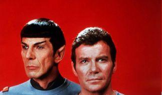 William Shatner (r) als Captain James T. Kirk, Commander des Raumschiffes Enterprise, und Leonard Nimoy als Crewmitglied Spock vom Planeten Vulkan (Archivfoto aus dem Jahr 1979) (Foto)