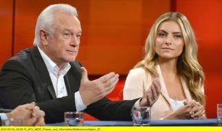 """Beichte bei """"Hart aber fair"""": Sophia Thomalla steht auf Wolfgang Kubicki (FDP). (Foto)"""