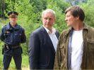 Moritz Eisner (Harald Krassnitzer) kennt den Journalisten Max Ryba (Harald Windisch) und begegnet diesem mit Skepsis. (Foto)