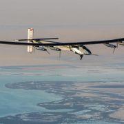 Sonnenflieger «Solar Impulse 2» startet zur Erdumrundung (Foto)