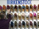Die Birkenstock-Gruppe bestätigte die ungleichen Lohnzahlungen. Es handele sich um «Altlasten aus der Vergangenheit». (Foto)