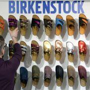 Frauen erhielten bei Schuhhersteller Birkenstock weniger Lohn (Foto)
