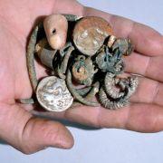 Höhlenwanderer finden antike Münzen und Schmuck in Israel (Foto)