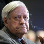Altkanzler Schmidt warnt vor «heißem Krieg» (Foto)