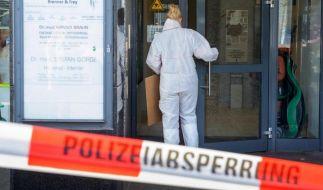 In diesem Ärztehaus feuerte ein Mann auf eine Ärztin. Sie starb noch in der Praxis an ihren Verletzungen. (Foto)