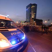 Angriffe auf Polizei bei Blockupy-Protesten in Frankfurt (Foto)