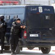 Acht Tote bei Anschlag in Tunis - Täter nehmen Geiseln (Foto)