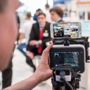 Smartphone-Filmer lebt auf CeBIT digitalen Wandel vor (Foto)