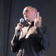 Die Mittelfinger-Geste von Yanis Varoufakis sorgte für einen Skandal.