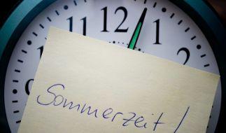 Am Wochenende werden die Uhren von Winter- auf Sommerzeit gestellt. (Foto)
