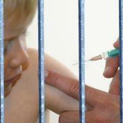 Knast und Geldbußen: Krasse Strafen für Impfgegner (Foto)
