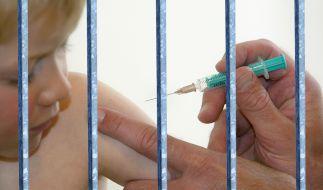 Impfgegnern droht in Frankreich im schlimmsten Fall der Knast. (Foto)