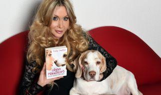 """Lio ist nicht nur Dolly Busters Hund, sondern neuerdings auch Autor des Buches """"Ohne Maulkorb. Aus dem Tagebuch meines Hundes"""". (Foto)"""