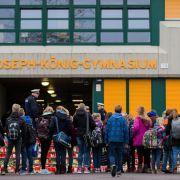 16 Schüler und zwei Lehrerinnen des Joseph-König-Gymnasiums in Haltern am See ließen in der Germanwings-Maschine ihr Leben.