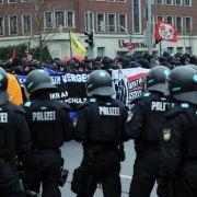 Rund 2000 Menschen demonstrieren gegen Neonazi-Aufmarsch (Foto)