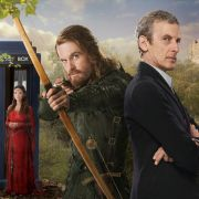Der zwölfte Doctor trifft bei seinen Abenteuern unter anderem auch auf Robin Hood - immerhin besitzt der Timelord die Fähigkeit, durch Zeit und Raum zu reisen,