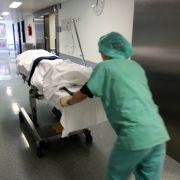 Schnarch-Patientin wird in Abstellraum abgeschoben (Foto)