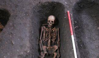 Unter der Universität Cambridge wurden rund 400 komplette Skelette und tausende weitere Knochenfunde entdeckt. (Foto)
