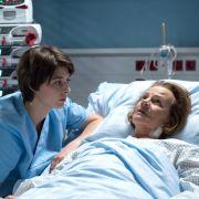 Wie weit wird Dr. Koshka für ihre kranke Oma gehen? (Foto)