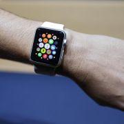 Apple verlagert Warteschlange für Apple Watch ins Internet (Foto)