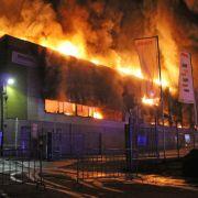 Großfeuer richtet in Fabrik im Allgäu Millionenschaden an (Foto)