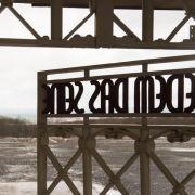Schweigeminute für die Toten von Buchenwald (Foto)
