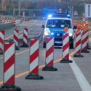 Nach Freigabe: Lkw fahren sich vor Schiersteiner Brücke fest (Foto)