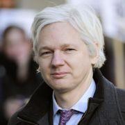 Schwedischer Haftbefehl:Assange stimmt Verhör in London zu (Foto)