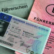 Zeitung: Fahrverbot für Straftäter soll 2016 kommen (Foto)