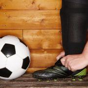 Fußballer beim Quickie auf der Ersatzbank erwischt (Foto)