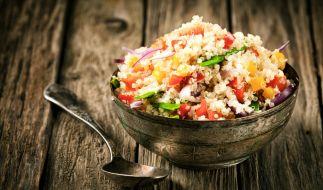 Getreide wie Couscous und Quinoa sind gesund. (Foto)