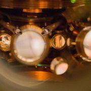Rekord-Atomuhr geht über 15 Milliarden Jahre sekundengenau (Foto)