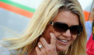 Corinna Schumacher auf der Rennstrecke. (Foto)