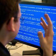 «Blue screen of death»:Mann erschießt seinen Computer (Foto)
