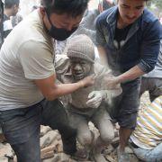 Mindestens 1800 Tote bei Himalaya-Erdbeben (Foto)