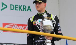 Mick Schumacher: Ehrung in der Formel 4 als bester Rookie beim Rennen in Oschersleben. (Foto)